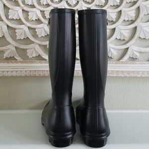 a10bf7a93e2 BNWB! UGG Shelby Matte Rain Boots NWT